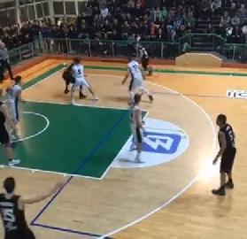 https://www.basketmarche.it/immagini_articoli/26-11-2017/serie-c-silver-il-campetto-ancona-è-la-nuova-capolista-solitaria-del-campionato-270.jpg