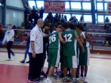 https://www.basketmarche.it/immagini_articoli/26-11-2017/under-15-eccellenza-il-cab-stamura-ancona-espugna-il-campo-della-victoria-libertas-pesaro-270.jpg