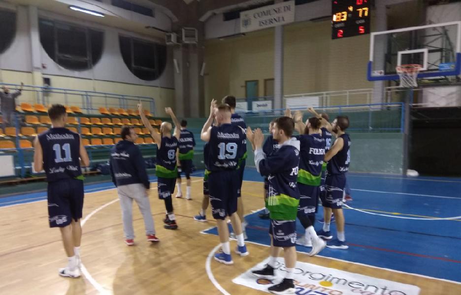 https://www.basketmarche.it/immagini_articoli/26-11-2018/basket-foligno-espugna-volata-campo-isernia-basket-600.png
