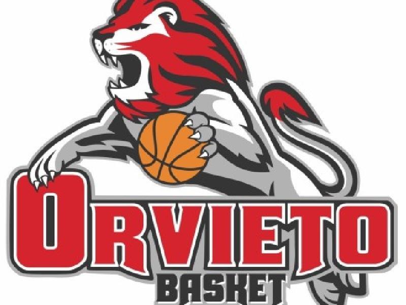 https://www.basketmarche.it/immagini_articoli/26-11-2018/orvieto-basket-anche-basket-gualdo-inchina-legge-palaporano-600.jpg