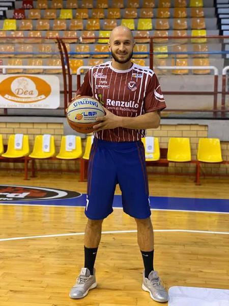 https://www.basketmarche.it/immagini_articoli/26-11-2020/giulia-basket-vicina-chiudere-trattativa-esterno-leonardo-ciribeni-600.jpg