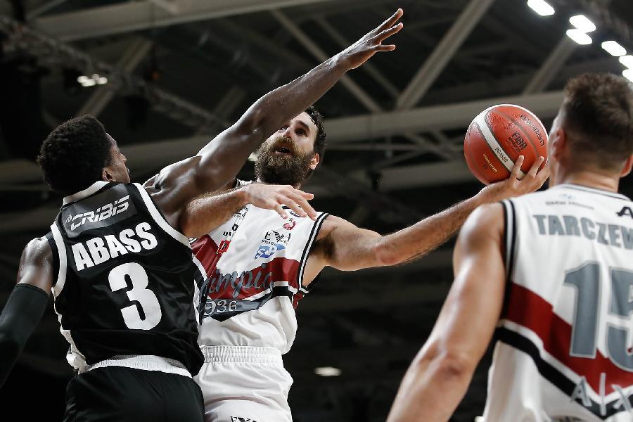 https://www.basketmarche.it/immagini_articoli/26-12-2020/olimpia-milano-sfida-virtus-bologna-coach-messina-tratta-partita-molto-difficile-600.jpg