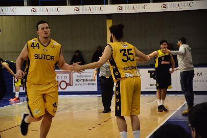 https://www.basketmarche.it/immagini_articoli/27-01-2018/serie-c-silver-post-montegranaro-castelfidardo-coach-ciarpella-non-possiamo-permetterci-di-affrontare-le-partite-con-superficialità-270.jpg