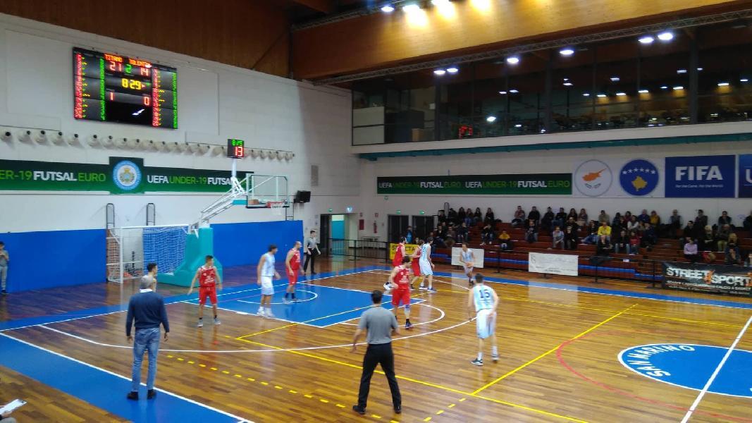 https://www.basketmarche.it/immagini_articoli/27-01-2019/prodezza-felici-regala-punti-titano-marino-basket-tolentino-600.jpg