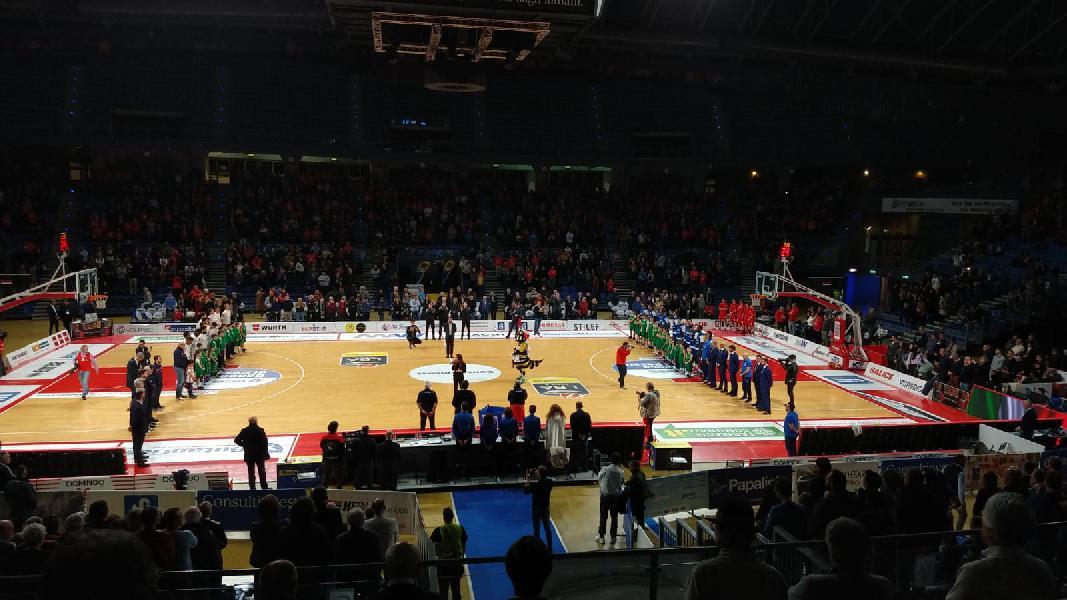 https://www.basketmarche.it/immagini_articoli/27-01-2019/troppa-brindisi-vuelle-pesaro-pugliesi-passano-vitrifrigo-arena-600.jpg