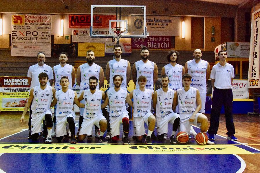 https://www.basketmarche.it/immagini_articoli/27-01-2020/basket-todi-coach-olivieri-secondo-tempo-rivisto-squadra-giocare-fare-600.jpg