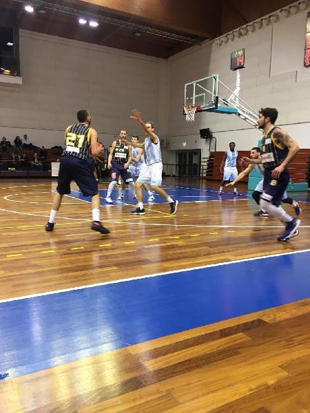 https://www.basketmarche.it/immagini_articoli/27-01-2020/pallacanestro-recanati-coach-pozzetti-squadra-praticamente-lavorato-difesa-attacco-stato-opaco-600.jpg
