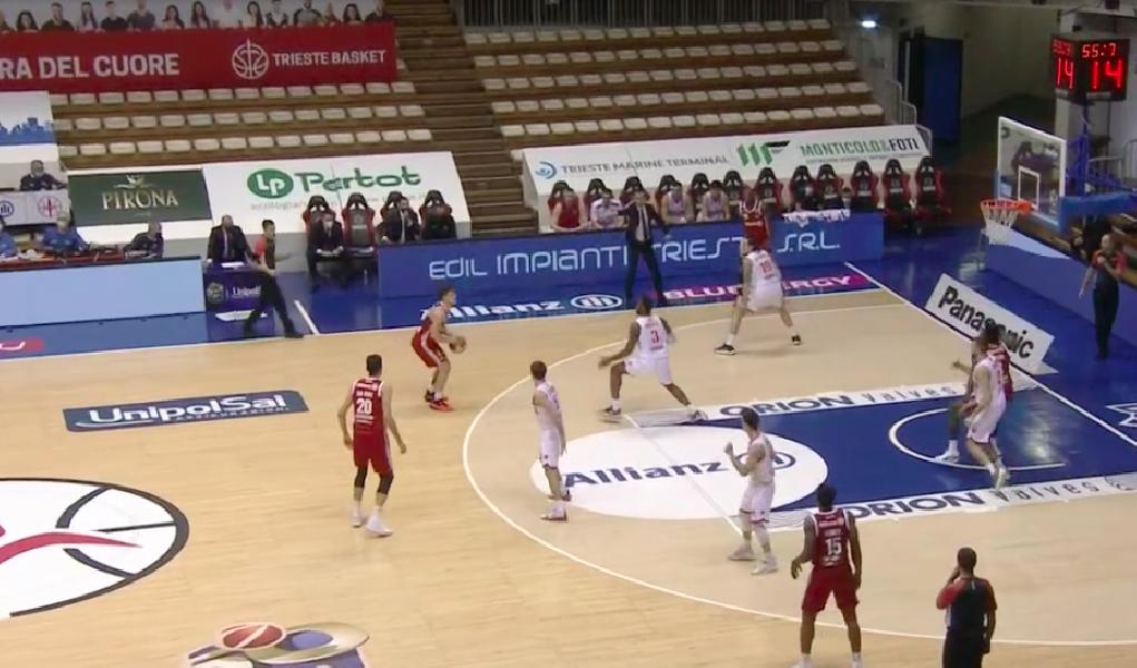 https://www.basketmarche.it/immagini_articoli/27-01-2021/recupero-pallacanestro-trieste-scappa-ultimo-quarto-batte-pallacanestro-varese-600.png