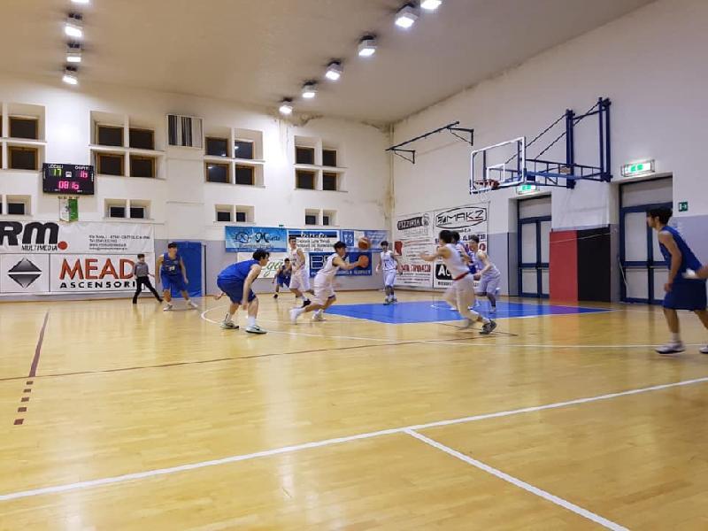 https://www.basketmarche.it/immagini_articoli/27-02-2019/porto-sant-elpidio-basket-sconfitto-campo-basket-giovane-pesaro-600.jpg