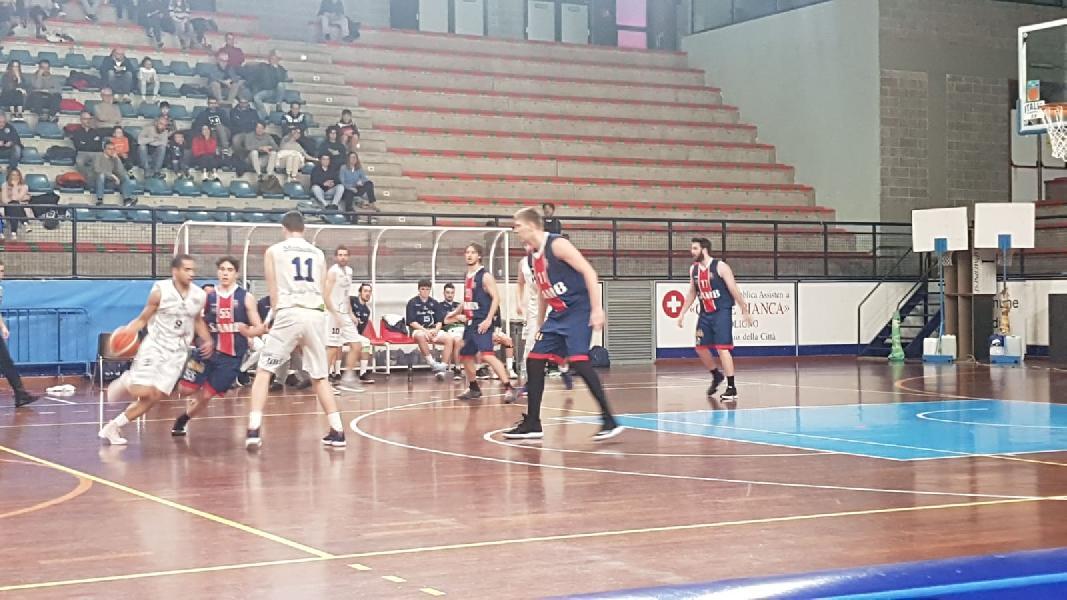 https://www.basketmarche.it/immagini_articoli/27-02-2020/lucky-wind-foligno-coach-pierotti-samb-messo-difficolt-bravi-ragazzi-crederci-fino-fine-600.jpg