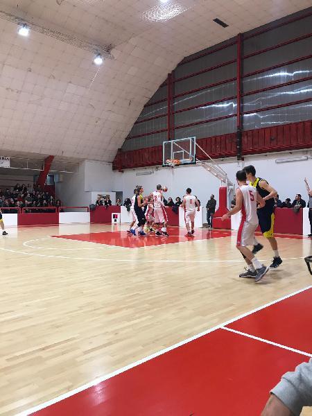 https://www.basketmarche.it/immagini_articoli/27-04-2019/regionale-playoff-live-gara-risultati-sabato-sera-tempo-reale-600.jpg