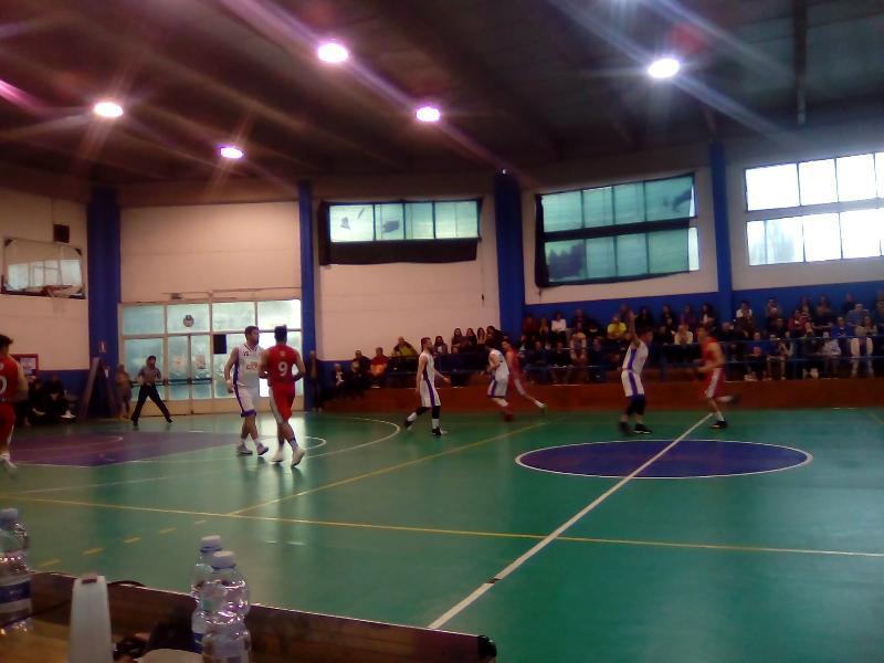 https://www.basketmarche.it/immagini_articoli/27-04-2019/regionale-umbria-playout-giromondo-spoleto-salva-accoppiamenti-secondo-turno-600.jpg