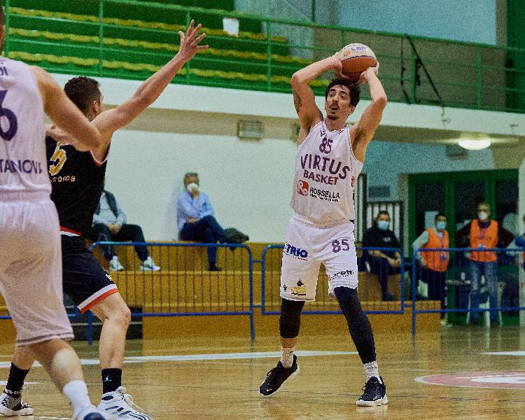 https://www.basketmarche.it/immagini_articoli/27-04-2021/virtus-civitanova-virtus-padova-primo-match-point-evitare-retrocessione-diretta-600.jpg