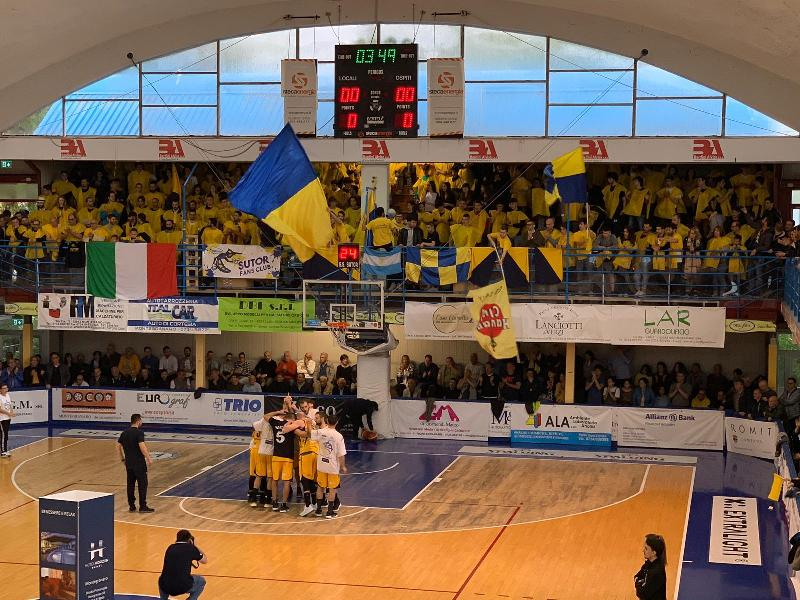 https://www.basketmarche.it/immagini_articoli/27-05-2019/serie-gold-finals-bombonera-trascinano-sutor-montegranaro-600.jpg