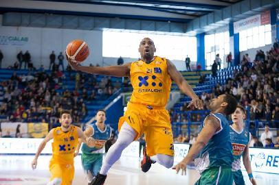 https://www.basketmarche.it/immagini_articoli/27-06-2018/serie-a2-xl-extralight®-e-poderosa-montegranaro-per-il-terzo-anno-insieme-270.jpg