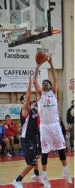https://www.basketmarche.it/immagini_articoli/27-06-2018/serie-b-nazionale-pallacanestro-senigallia-e-mirco-pierantoni-insieme-per-la-sedicesima-stagione-270.jpg