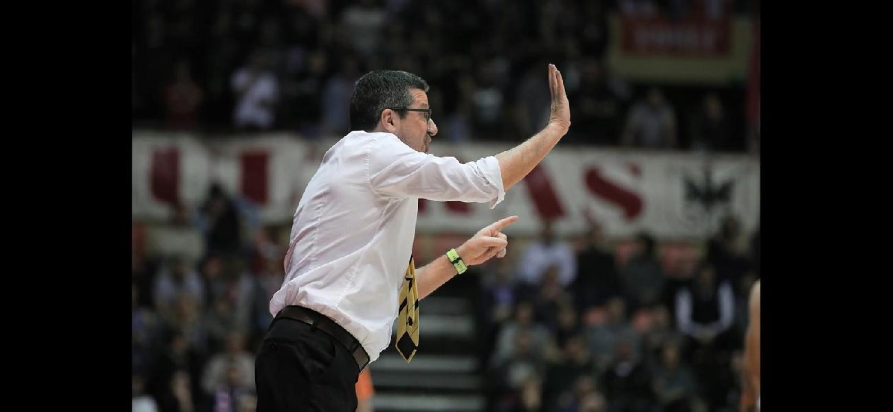 https://www.basketmarche.it/immagini_articoli/27-06-2020/ufficiale-cesare-ciocca-lascia-giulianova-basket-allenatore-tramarossa-vicenza-600.jpg