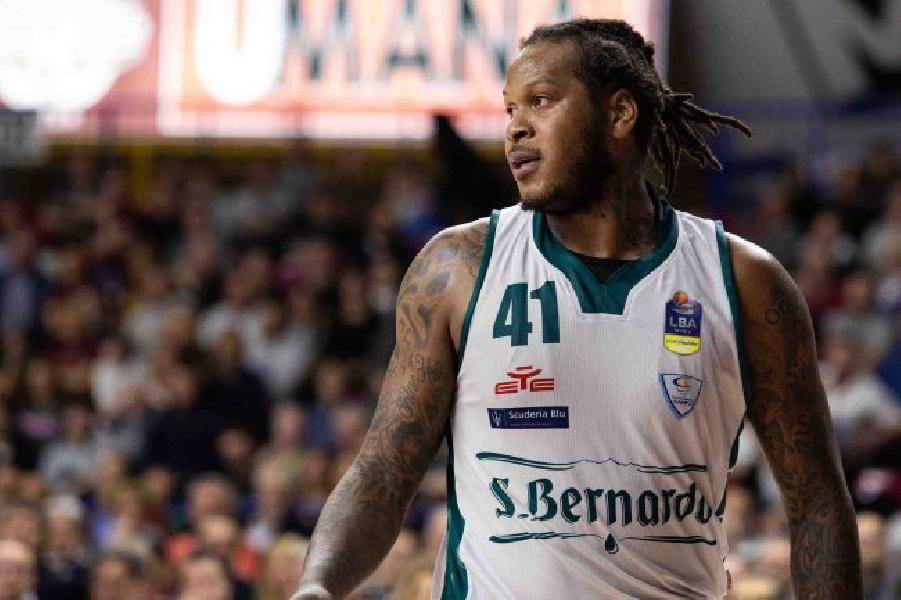 https://www.basketmarche.it/immagini_articoli/27-07-2019/virtus-roma-vicina-centro-cant-davon-jefferson-600.jpg