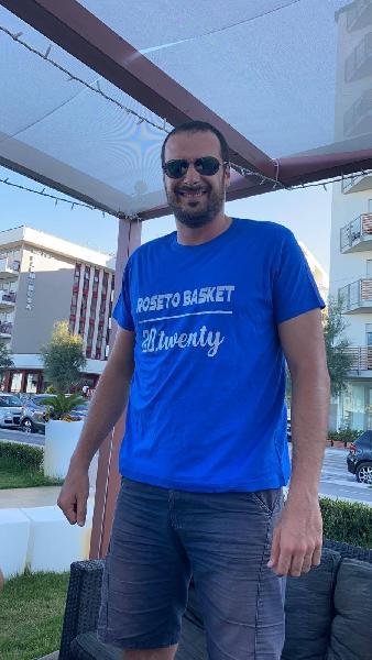 https://www.basketmarche.it/immagini_articoli/27-07-2021/ufficiale-roseto-basket-2020-annuncia-conferma-innocenzo-ferraro-600.jpg