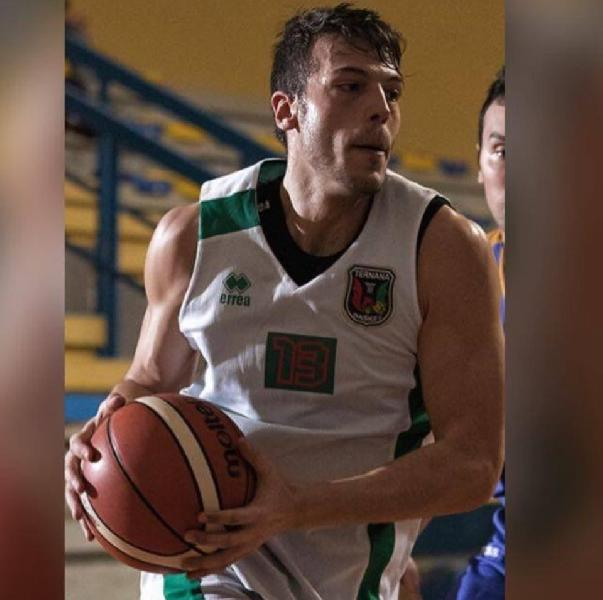https://www.basketmarche.it/immagini_articoli/27-08-2019/primo-colpo-mercato-babadook-friends-ternana-basket-arriva-filippo-fumini-600.jpg
