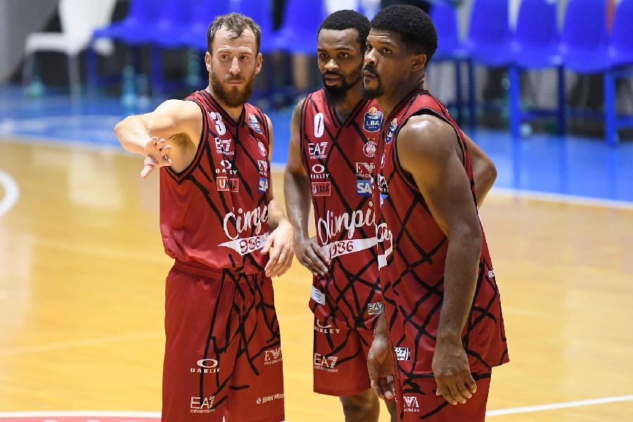 https://www.basketmarche.it/immagini_articoli/27-08-2020/olimpia-milano-pronta-esordio-cant-coach-messina-nostro-obiettivo-qualificarci-final-four-600.jpg