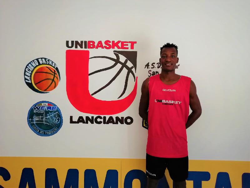 https://www.basketmarche.it/immagini_articoli/27-08-2020/ufficiale-unibasket-lanciano-firma-giovane-talento-maliano-youssouf-kamat-600.jpg