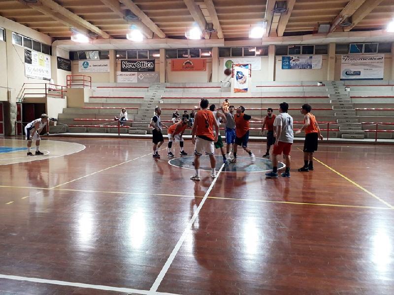 https://www.basketmarche.it/immagini_articoli/27-09-2019/indicazioni-positive-marotta-basket-test-amichevole-senigallia-basket-2020-600.jpg