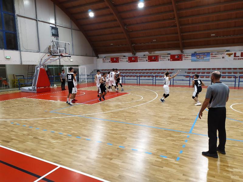 https://www.basketmarche.it/immagini_articoli/27-09-2019/pallacanestro-acqualagna-doma-finale-basket-giovane-finale-torneo-casa-600.jpg