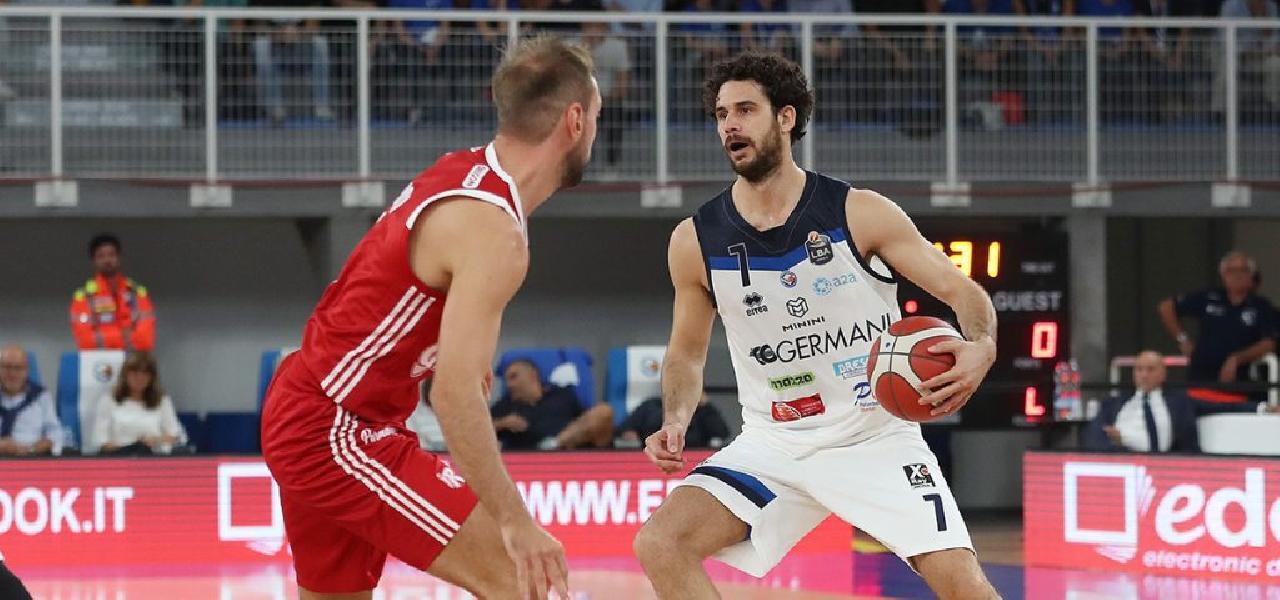 https://www.basketmarche.it/immagini_articoli/27-09-2019/vincenzo-esposito-luca-vitali-coro-affronteremo-milano-viso-aperto-serenit-intelligenza-600.jpg