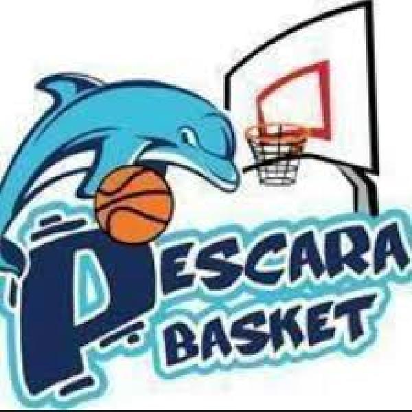 https://www.basketmarche.it/immagini_articoli/27-09-2020/alti-bassi-pescara-basket-amichevole-roseto-600.jpg