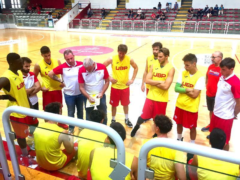 https://www.basketmarche.it/immagini_articoli/27-09-2020/unione-basket-padova-tiene-testa-pallacanestro-vicenza-quarti-600.jpg
