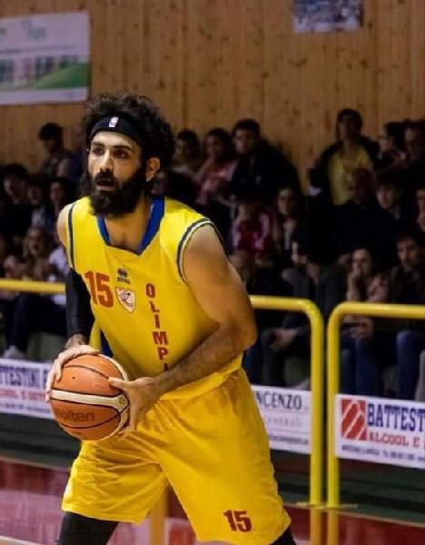 https://www.basketmarche.it/immagini_articoli/27-09-2021/colpaccio-olimpia-mosciano-ufficiale-ritorno-dominic-scafidi-600.jpg