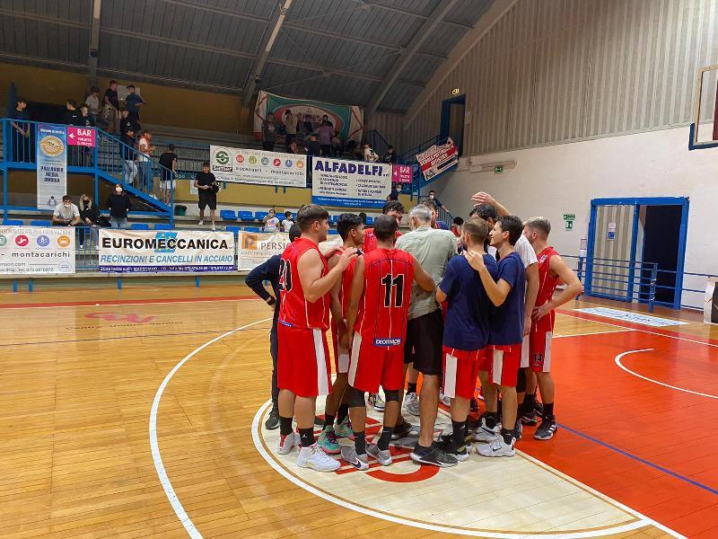 https://www.basketmarche.it/immagini_articoli/27-09-2021/coppa-centenario-basket-assisi-passa-nettamente-campo-nestor-marsciano-600.jpg