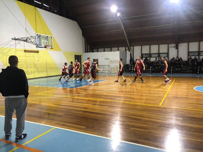 https://www.basketmarche.it/immagini_articoli/27-10-2018/anticipi-quarta-giornata-bene-fochi-boys-88ers-primo-sorriso-matelica-600.jpg