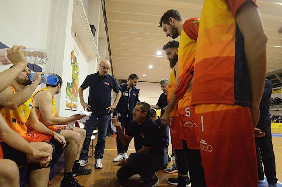 https://www.basketmarche.it/immagini_articoli/27-10-2018/giulianova-basket-attende-visita-pallacanestro-nard-600.jpg