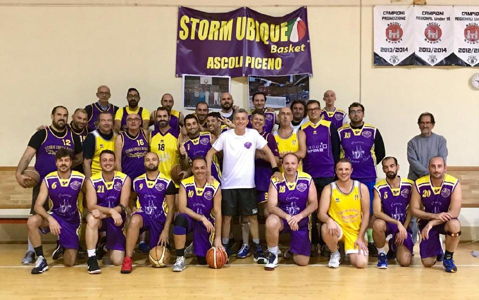https://www.basketmarche.it/immagini_articoli/27-10-2018/positivo-esordio-storm-ubique-ascoli-superano-independiente-macerata-600.jpg