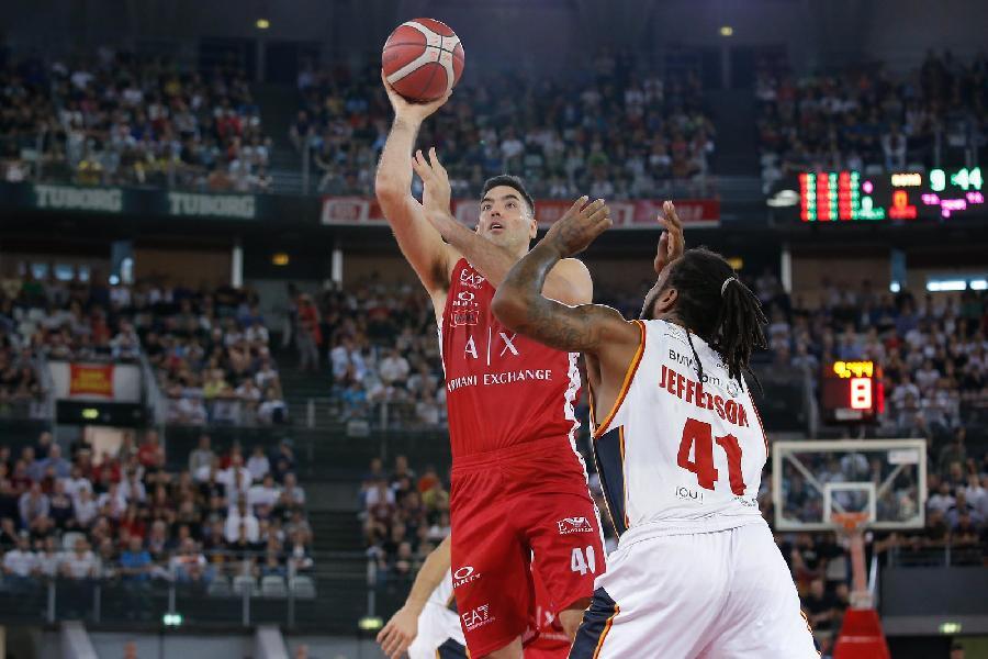 https://www.basketmarche.it/immagini_articoli/27-10-2019/olimpia-milano-risale-espugna-campo-virtus-roma-600.jpg