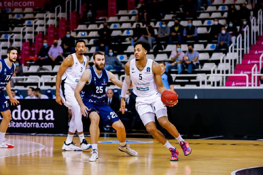https://www.basketmarche.it/immagini_articoli/27-10-2021/eurocup-aquila-basket-trento-sconfitta-campo-andorra-600.jpg