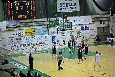 https://www.basketmarche.it/immagini_articoli/27-11-2017/serie-b-nazionale-tutto-facile-per-il-porto-sant-elpidio-basket-contro-valdiceppo-270.jpg
