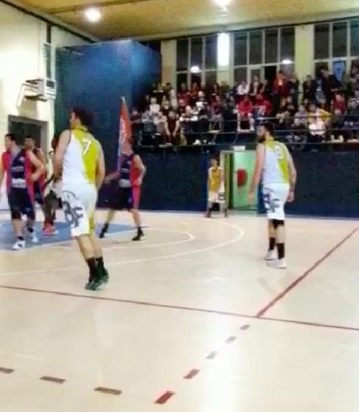 https://www.basketmarche.it/immagini_articoli/27-11-2019/basket-contigliano-aggiudica-derby-babadook-foresta-rieti-600.png