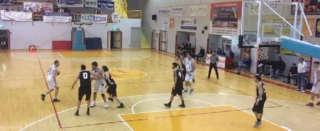 https://www.basketmarche.it/immagini_articoli/28-01-2018/serie-c-silver-la-robur-osimo-batte-il-falconara-basket-e-torna-alla-vittoria-270.jpg