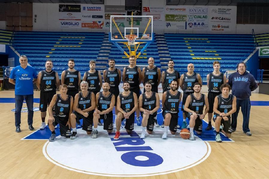 https://www.basketmarche.it/immagini_articoli/28-01-2019/convincente-vittoria-sangiorgese-2000-campo-fonti-amandola-600.jpg