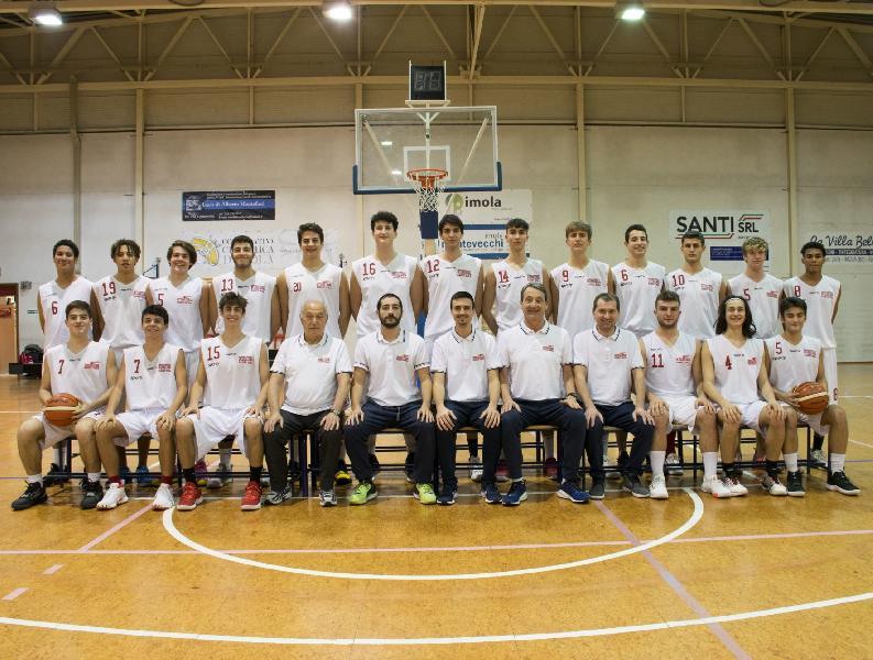 https://www.basketmarche.it/immagini_articoli/28-01-2020/under-eccellenza-niente-fare-pescara-basket-campo-international-imola-600.jpg