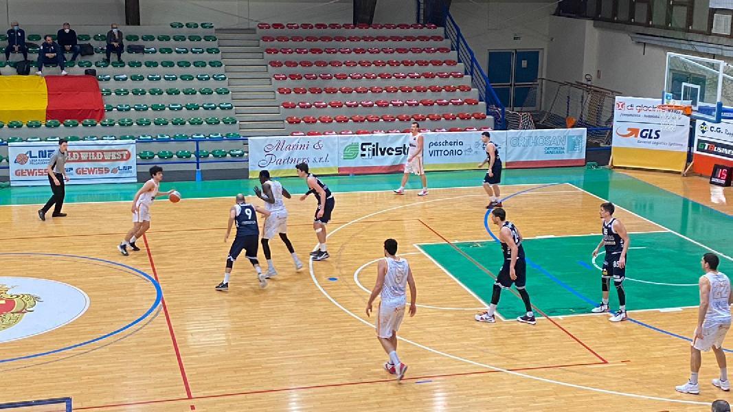 https://www.basketmarche.it/immagini_articoli/28-01-2021/giulia-basket-supera-virtus-civitanova-recupero-conquista-seconda-vittoria-fila-600.jpg