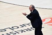 https://www.basketmarche.it/immagini_articoli/28-02-2020/olimpia-milano-coach-messina-dispiace-miei-giocatori-perch-hanno-giocato-partita-dura-120.jpg