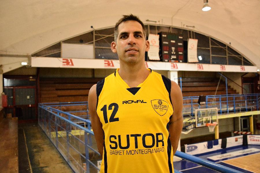 https://www.basketmarche.it/immagini_articoli/28-03-2019/sutor-montegranaro-andres-bartoli-pesaro-vorr-gara-perfetta-finale-600.jpg