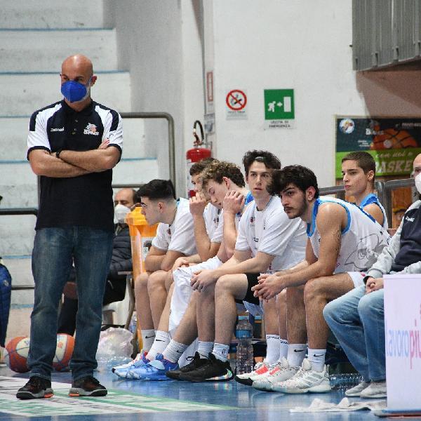 https://www.basketmarche.it/immagini_articoli/28-03-2021/roseto-sharks-coach-gianvittorio-ragazzi-hanno-reagito-abbiamo-pagato-qualche-palla-persa-troppo-600.jpg