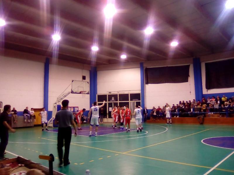 https://www.basketmarche.it/immagini_articoli/28-04-2019/regionale-umbria-playout-giromondo-spoleto-supera-pallacanestro-perugia-salva-600.jpg