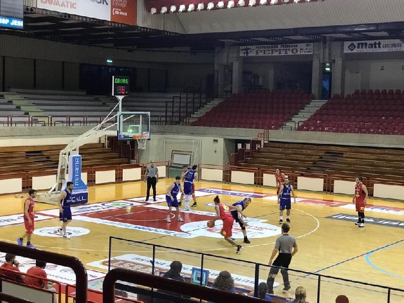 https://www.basketmarche.it/immagini_articoli/28-04-2021/bartoli-mechanics-vince-match-campo-wispone-taurus-jesi-resta-imbattuta-600.jpg
