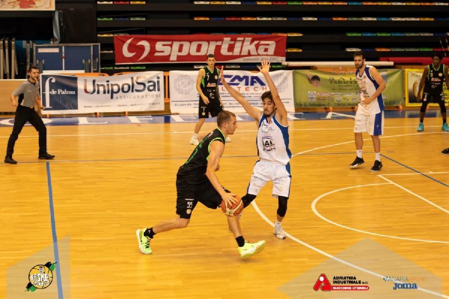 https://www.basketmarche.it/immagini_articoli/28-05-2021/recupero-basket-corato-sfiora-colpo-campo-virtus-molfetta-600.jpg